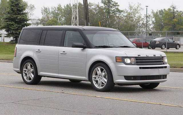 11fordflex0520 2011 FORD FLEX TITANIUM
